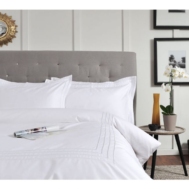 Ligne 800 Embroidered White Bed Linen Set