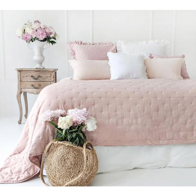 Peachskin Quilted Bedspread in Petal Pink
