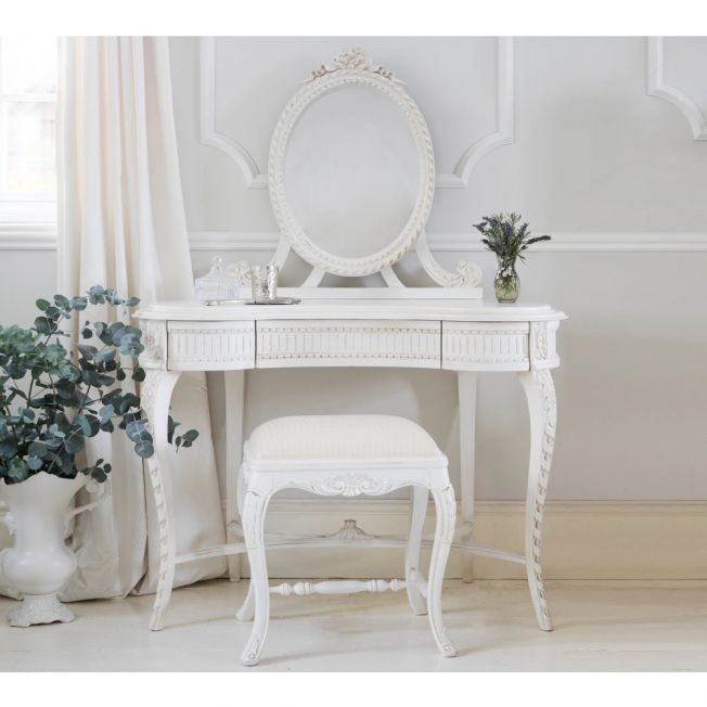Provencal Carved White French Dressing