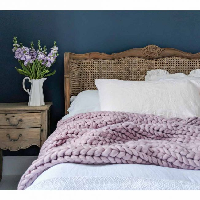 Wide Knit Lilac Blush Throw