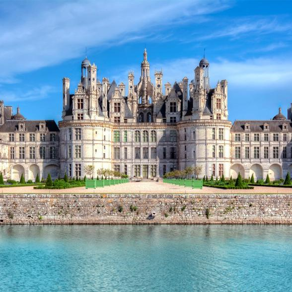5 Fairytale French Castles & Chateaux Fit for Royalty