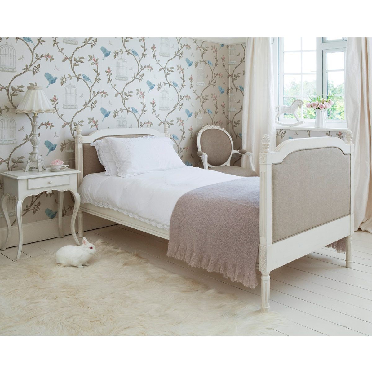 Provencal linen single bed french bedroom company for Images of beds for bedroom