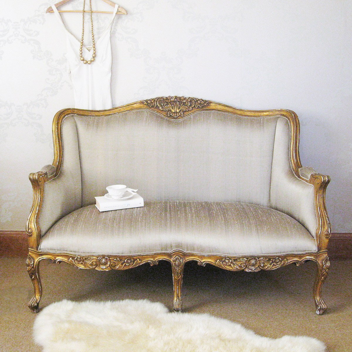 Versailles gold bedroom sofa with silk upholstery french for Bedroom loveseat