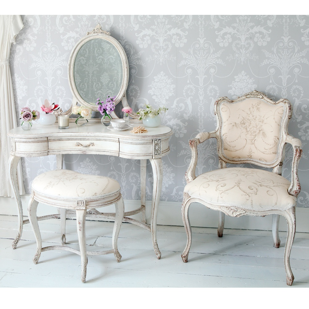 delphine painted white bedroom stool french bedroom company. Black Bedroom Furniture Sets. Home Design Ideas