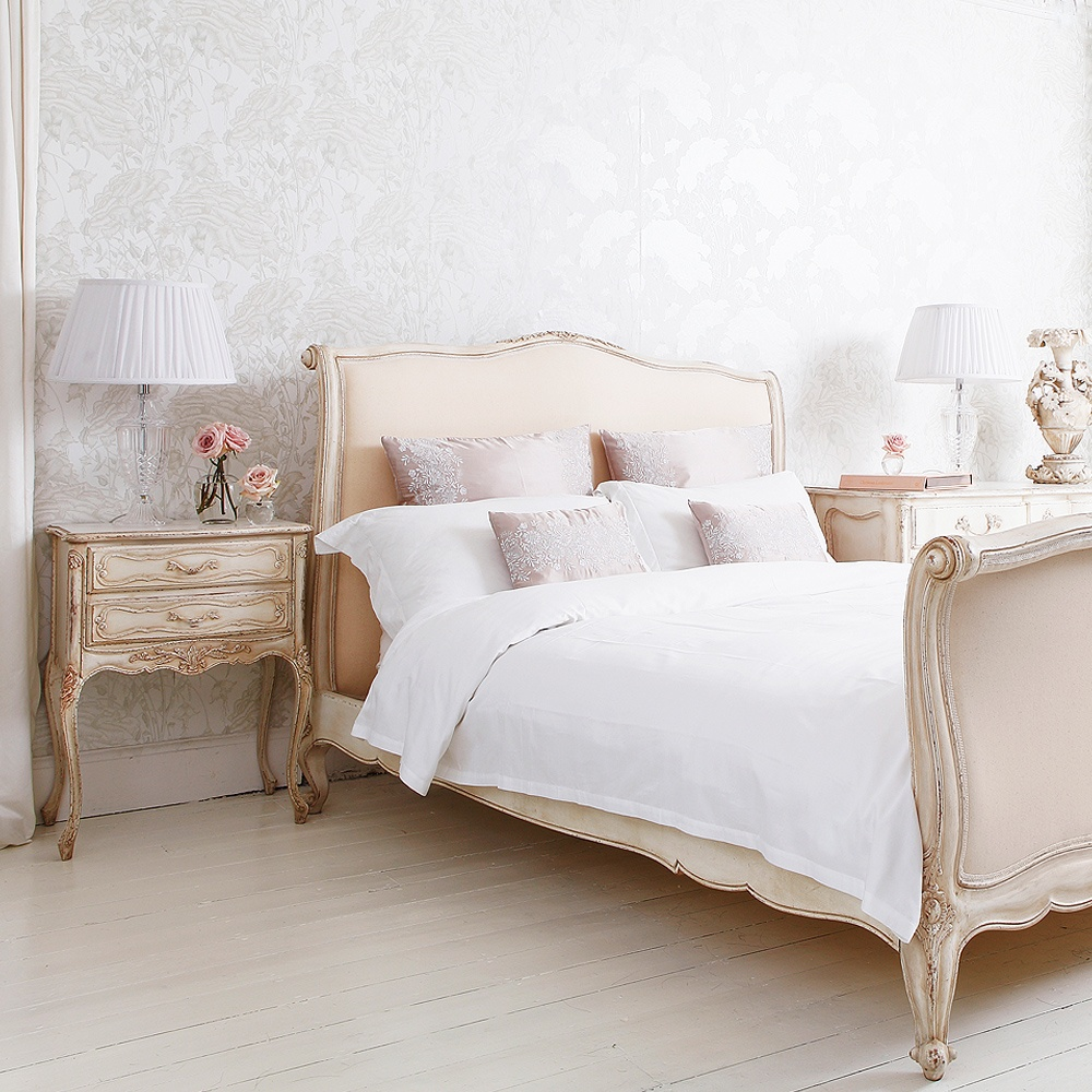 Delphine french upholstered bed french bedroom company - Dormitorios vintage chic ...