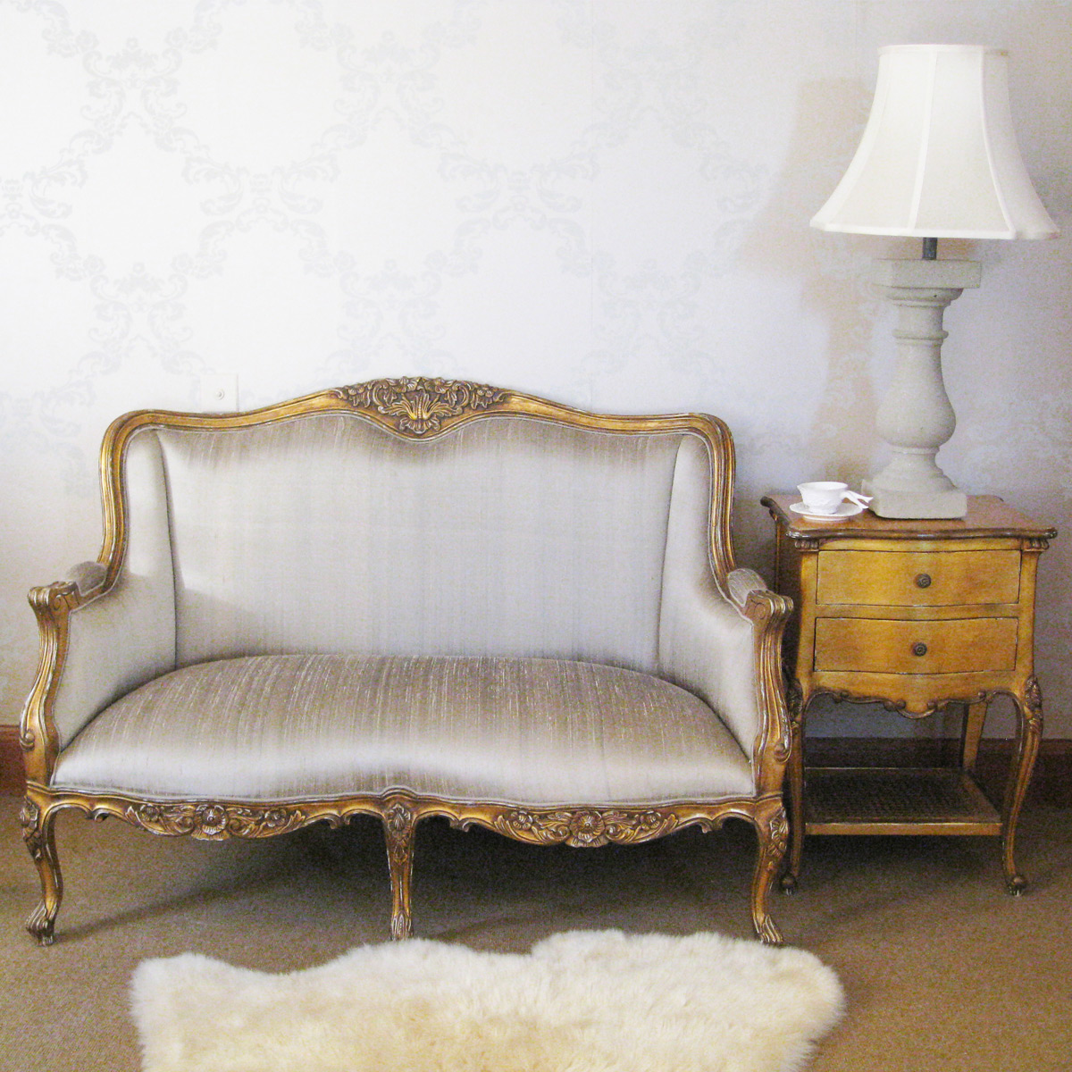 Versailles Gold Bedroom Sofa with Silk Upholstery French Bedroom pany