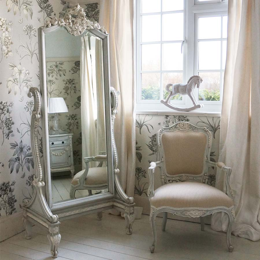 french carved chairs and armchairs french bedroom company. Black Bedroom Furniture Sets. Home Design Ideas