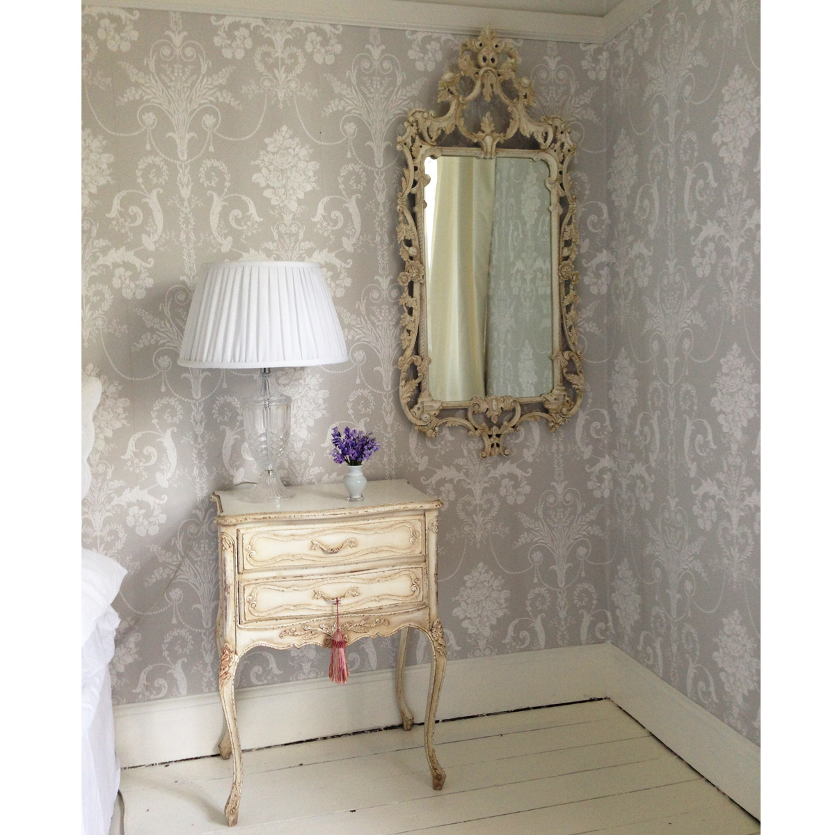 delphine shabby chic french mirror french bedroom company. Black Bedroom Furniture Sets. Home Design Ideas