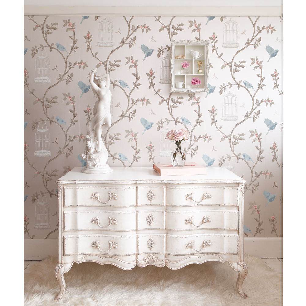 Delphine white painted chest of drawers french bedroom for Shabby chic furniture