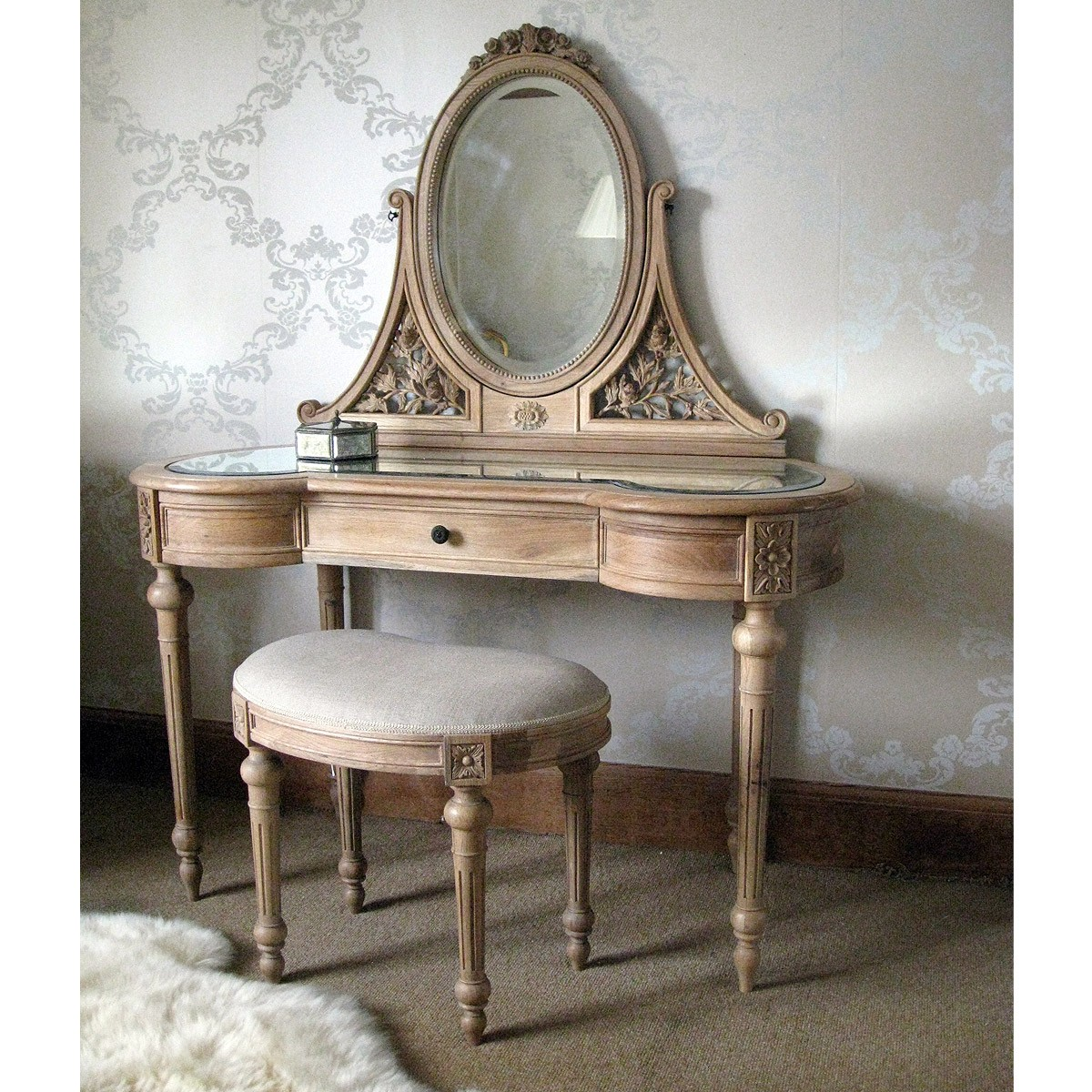 Antoinette french oak dressing table french bedroom company for Dressing table