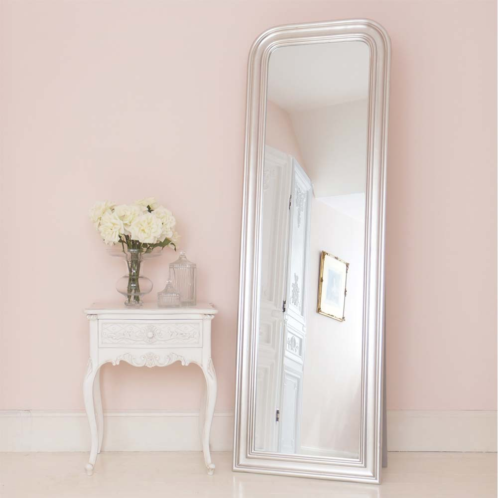 Bedroom full length mirror luxury luxury french bedroom for Standing mirror for bedroom