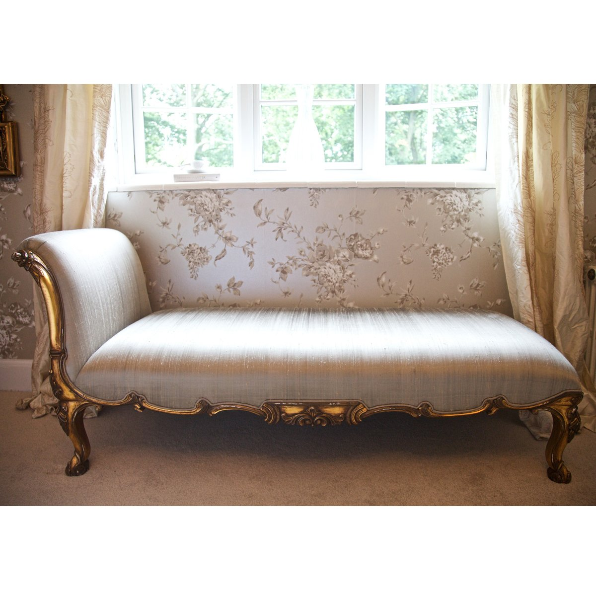 Versailles gold chaise longue french bedroom company for Bedroom chaise lounges