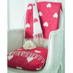 Queen of Hearts Red & White Blanket & Cushion (Image 1)