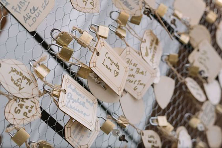 wedding pdlocks for romantic wedding